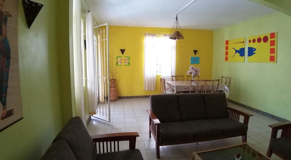 Villa With 3 Bedrooms in Pamplemousses, With Wonderful Mountain View, Private Pool, Enclosed Garden - 800 m From the Beach,