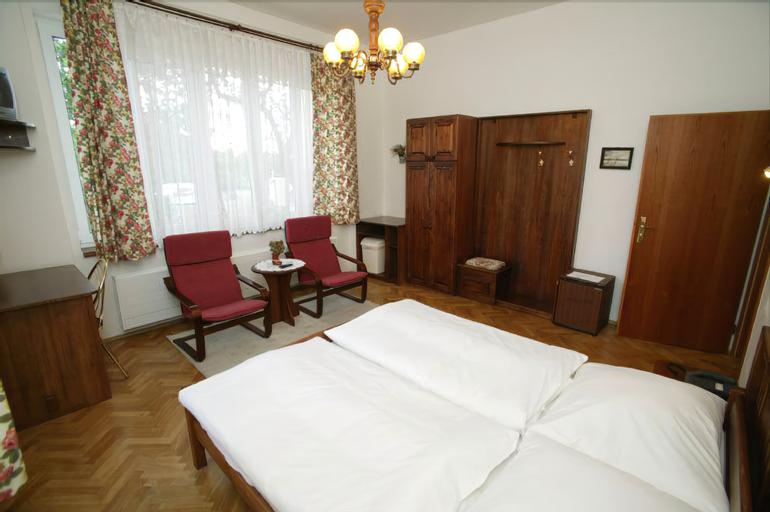 Hotel Pawlovnia, Praha 8