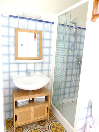 Studio in Trou-aux-biches, With Wonderful City View, Furnished Balcony and Wifi,