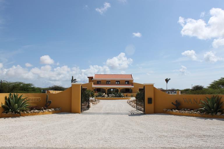 Wanapa Lodge,