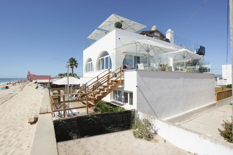 Luxury Beach Guest House, Faro