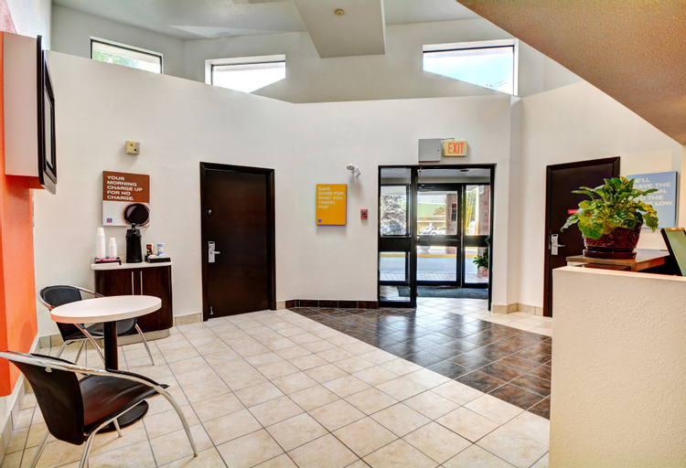 Motel 6 Newport, RI, Newport