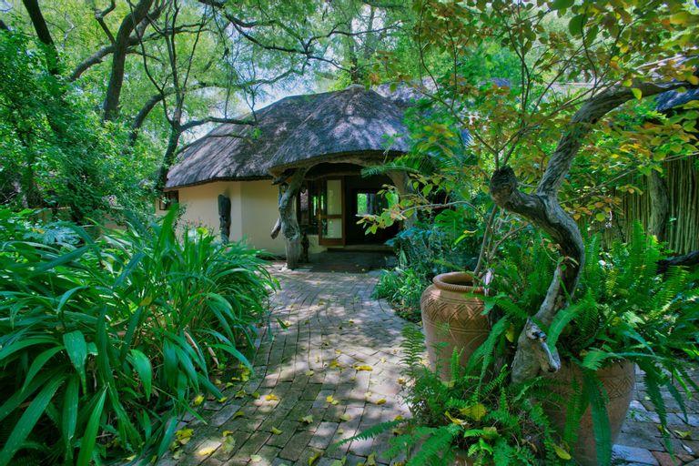 Royal Tree Lodge, Ngamiland East