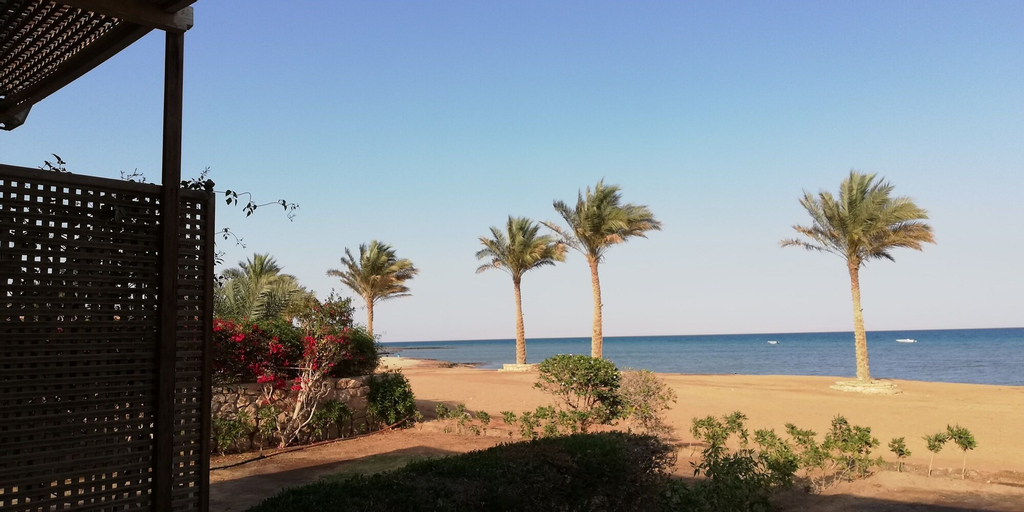 Sea front Chalet- Romance, 'Ataqah