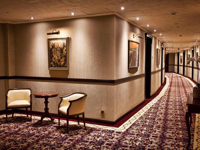 Multi Grand Hotel,