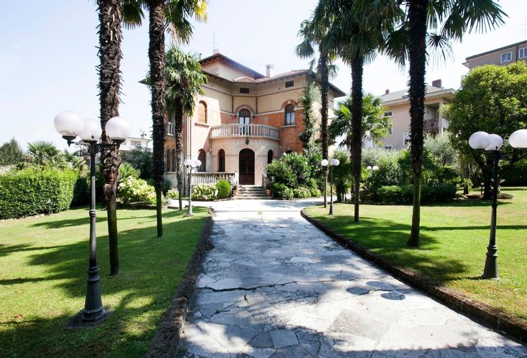 Villa Larissa, Brescia