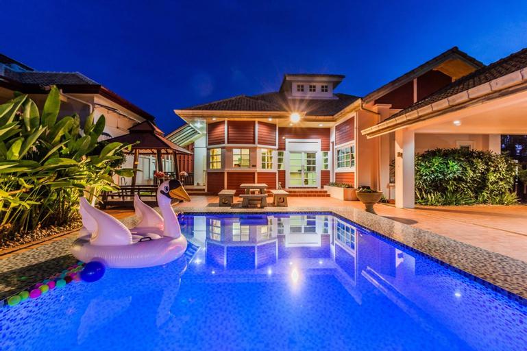 Baan Red Ribbon Pool Villa by Pinky, Bang Lamung