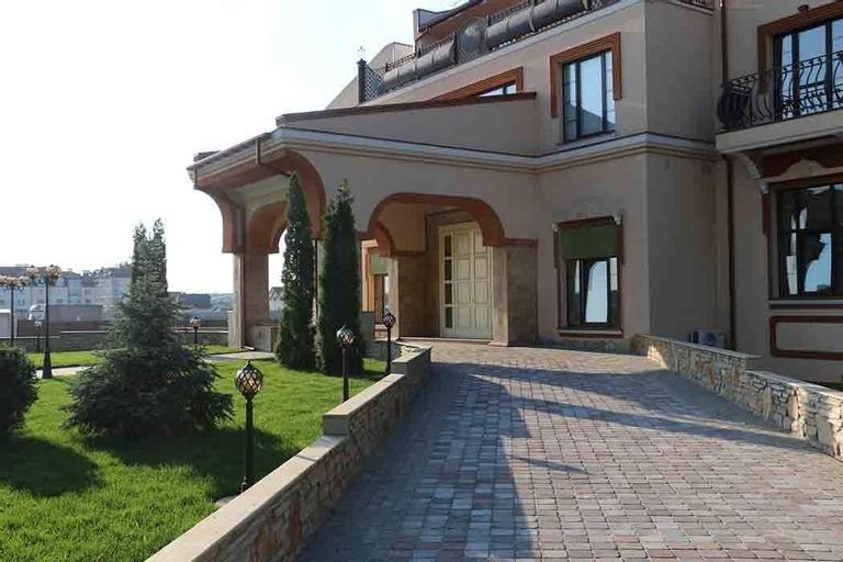 Green  Villa, Boryspil's'ka