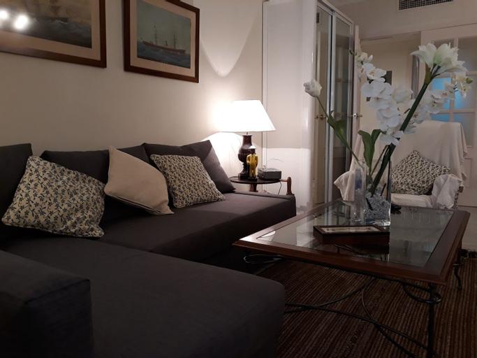 Apartment near Puente Romano, Málaga