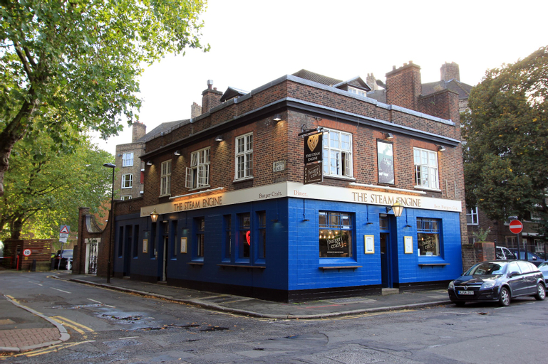 PubLove @ The Steam Engine - Hostel, London