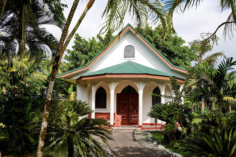 Sheraton Samoa Beach Resort, Aiga i le Tai