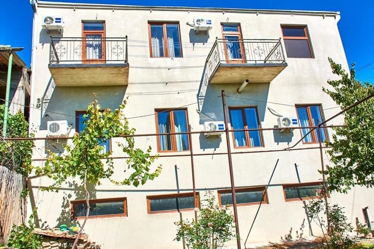 Guest House - MK, Gori