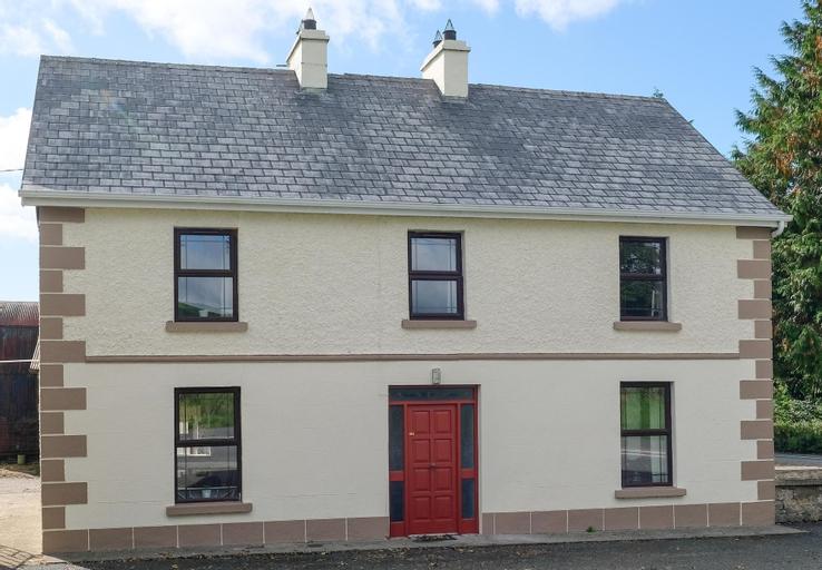 Garadice View Farm House - 6 Bed accommodation,