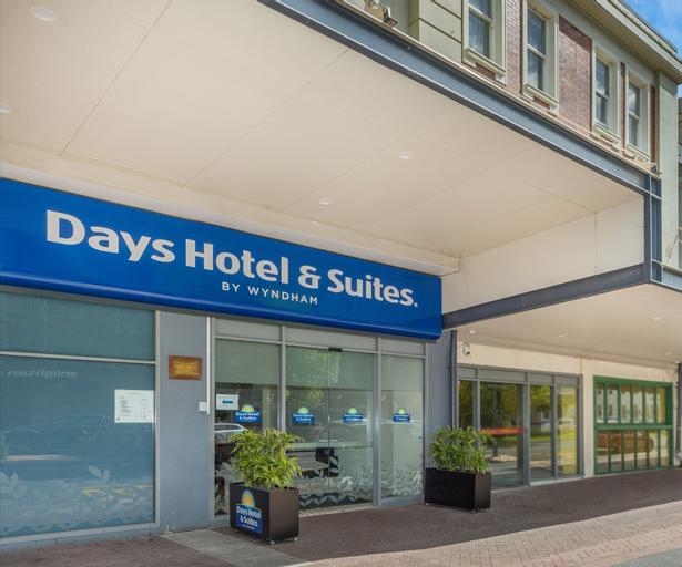 Days Hotel & Suites Hamilton, Hamilton