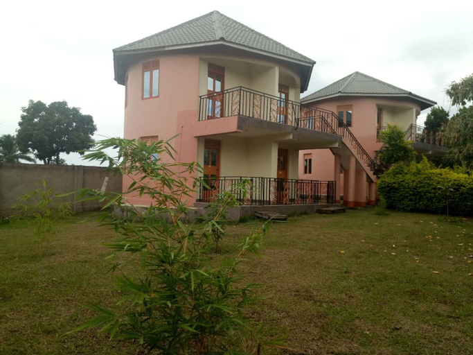 TRAX HOLIDAY COTTAGES, Bukonjo