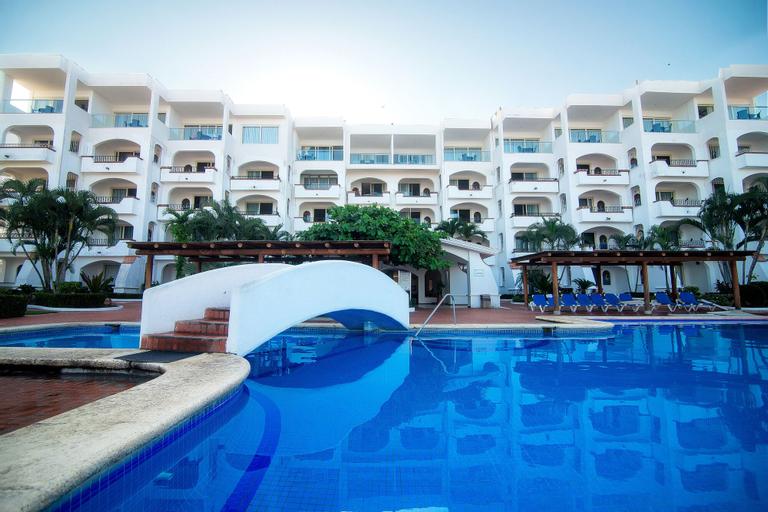 Casablanca Resort, Compostela