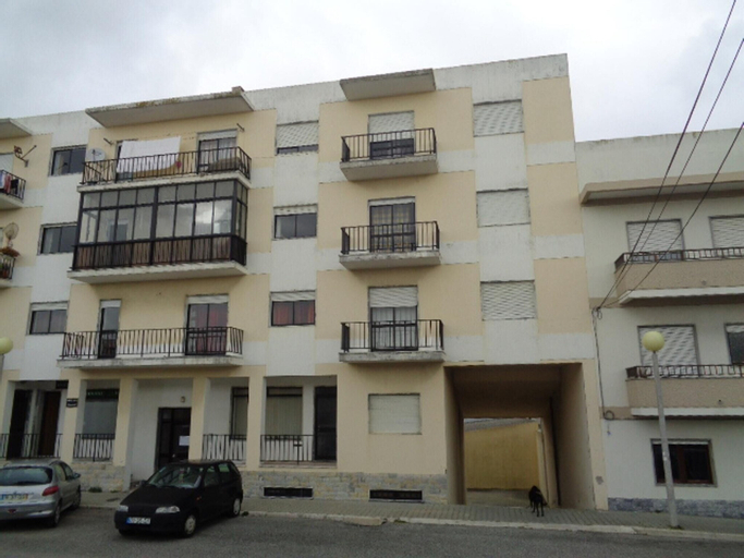 Apartment With 3 Bedrooms in Peniche, With Wonderful sea View, Furnished Balcony and Wifi - 500 m From the Beach, Peniche