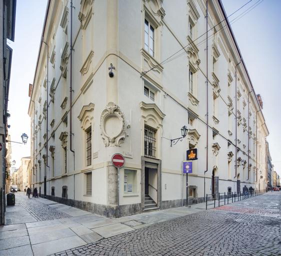 Quadrato, Torino