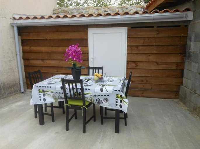 Apartment With one Bedroom in Blaye, With Wonderful City View, Furnish, Gironde