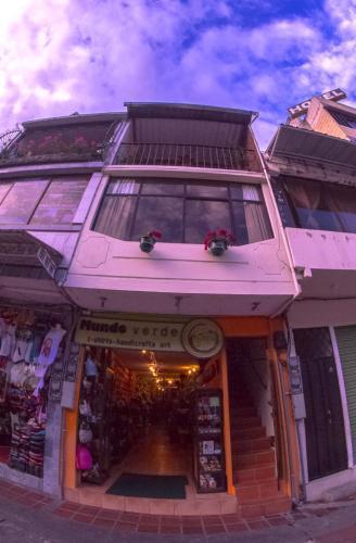 Samay Apart, Baños