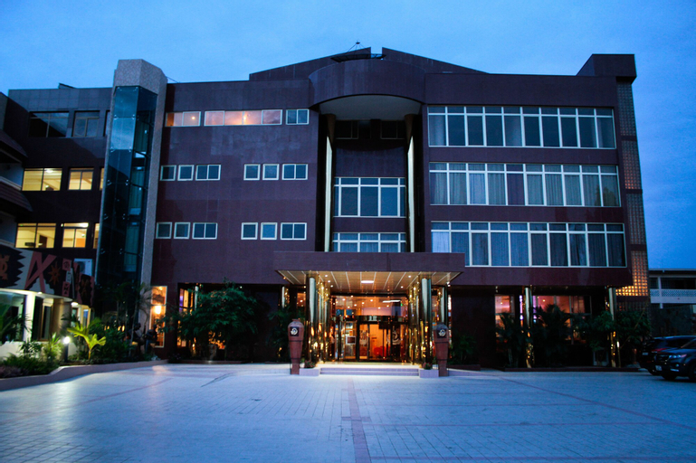 Royal Nick Hotel, Tema