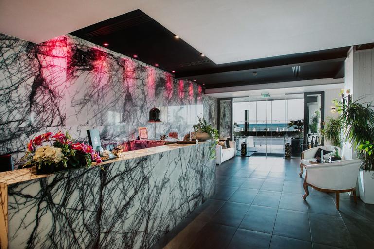 The Ciao Stelio Deluxe Hotel,