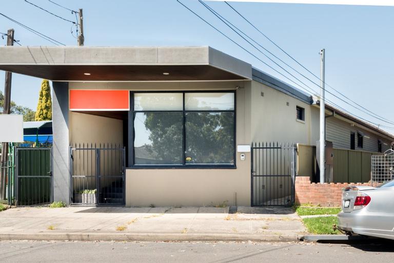 Studio 64 Oyster Bay Modern 3 Bedroom, Sutherland Shire - West