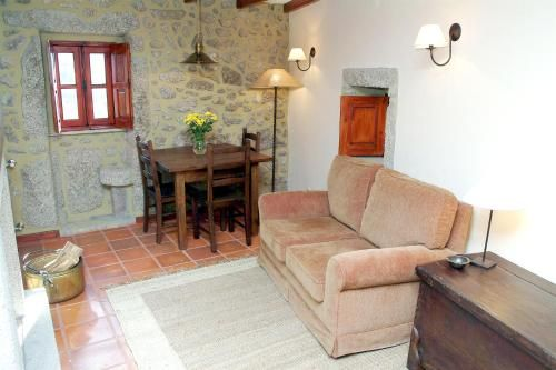 House with one bedroom in Gouveia with wonderful mountain view 150 km from the beach, Gouveia