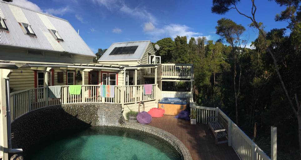 Hekerua Lodge Boutique Backpackers, Auckland