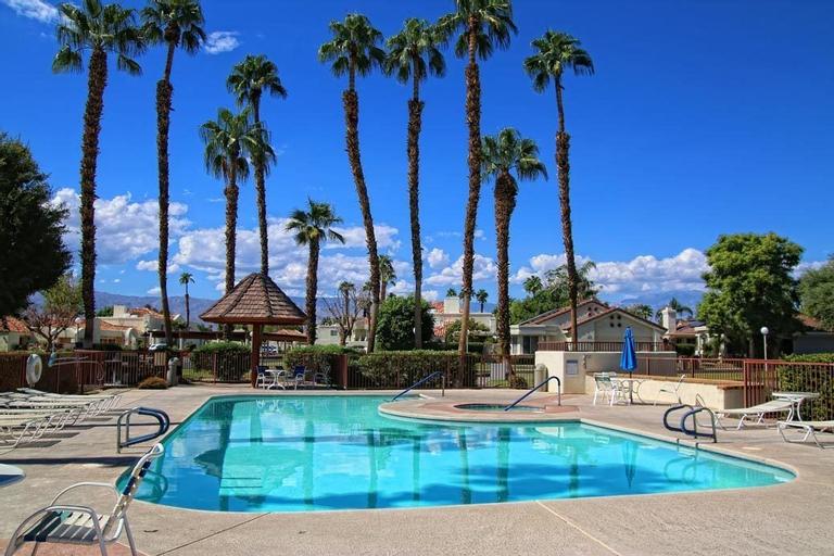 4 Seasons at Desert Breezes, Riverside