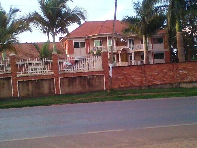 City Park Hotel, Entebbe