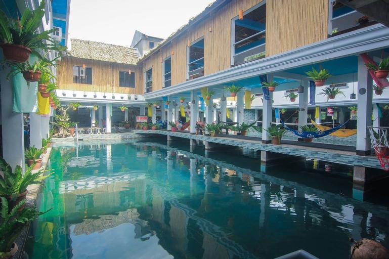 247 BalikBayan Fun Resort, Tiwi
