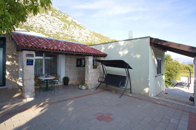 Villa Ivana, Omiš