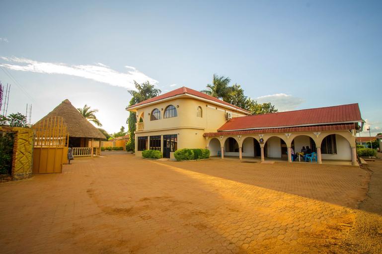 Mum Resort Hotel, Kigulu