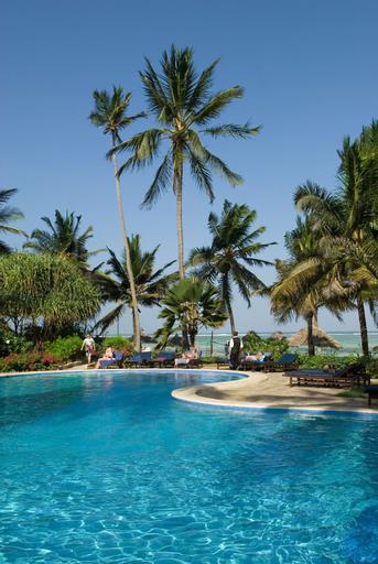 Breezes Beach Club & Spa – Half Board, Kusini