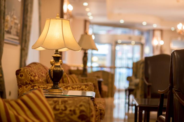Usta Park Hotel, Merkez