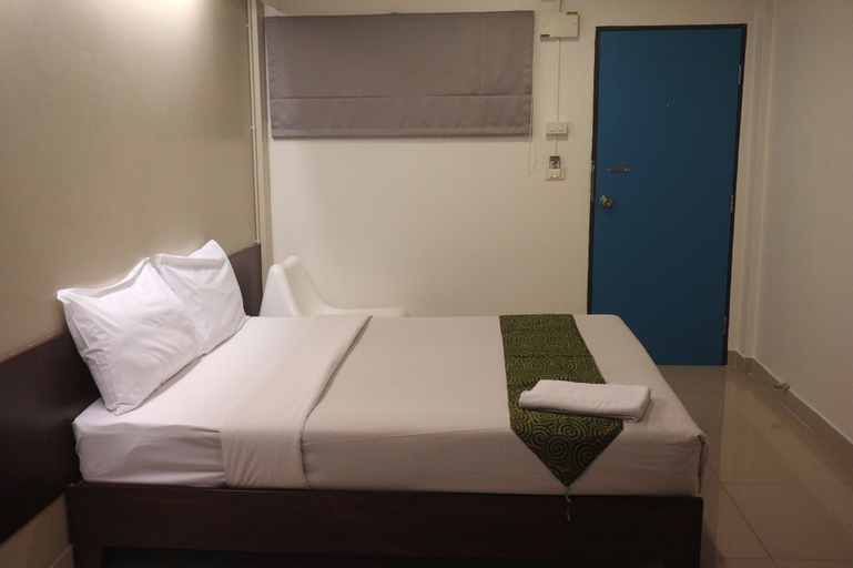 L42 Hostel, Bang Plee
