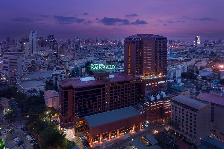 The Emerald Hotel, Huai Kwang