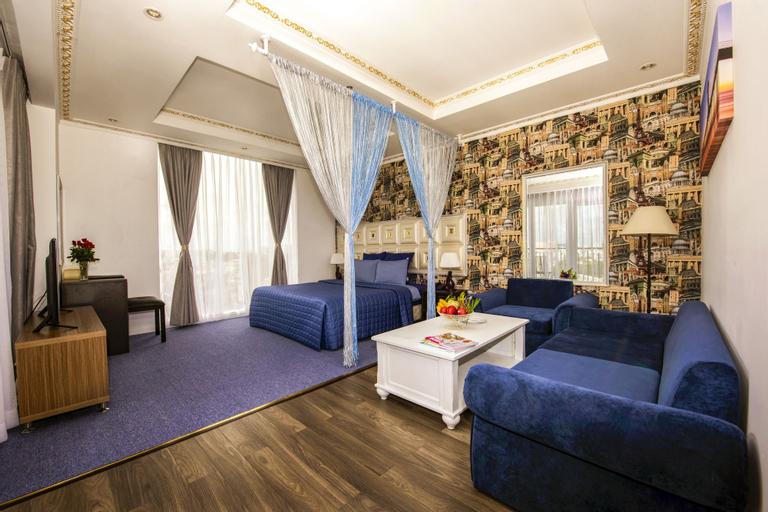 Golden Crown Hotel, Phú Nhuận