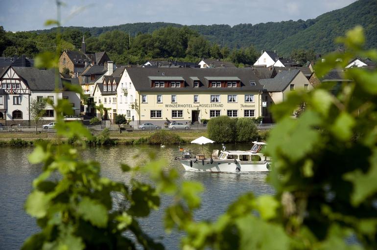 Winzerhotel - Restaurant zum Moselstrand, Cochem-Zell