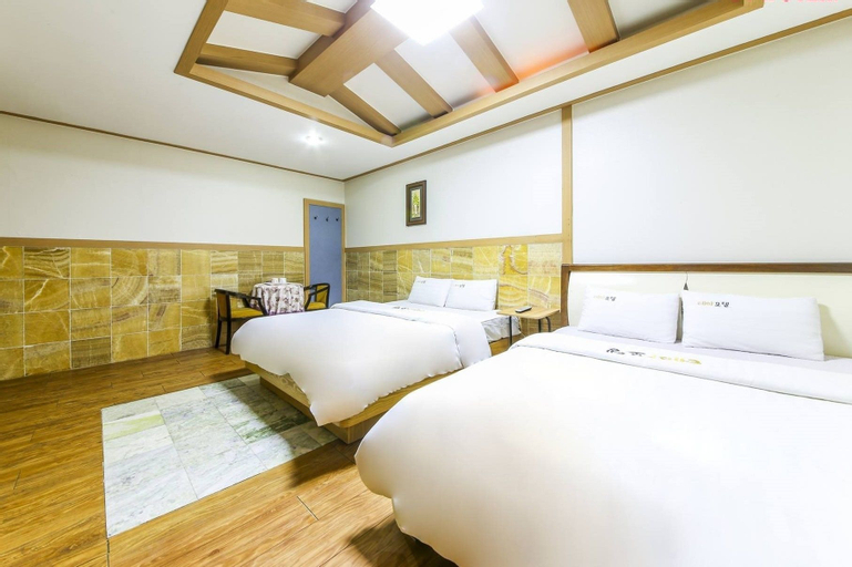 Theme Motel, Muan