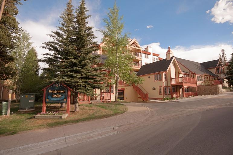 Wedgewood Lodge, Summit