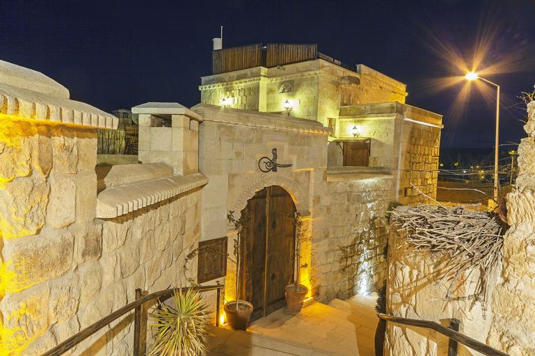Mithra Cave Hotel, Merkez