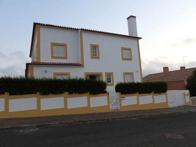 Madressilva house, Santiago do Cacém