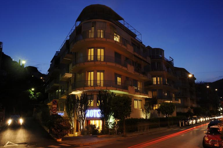 Hotel Majestic, Savona