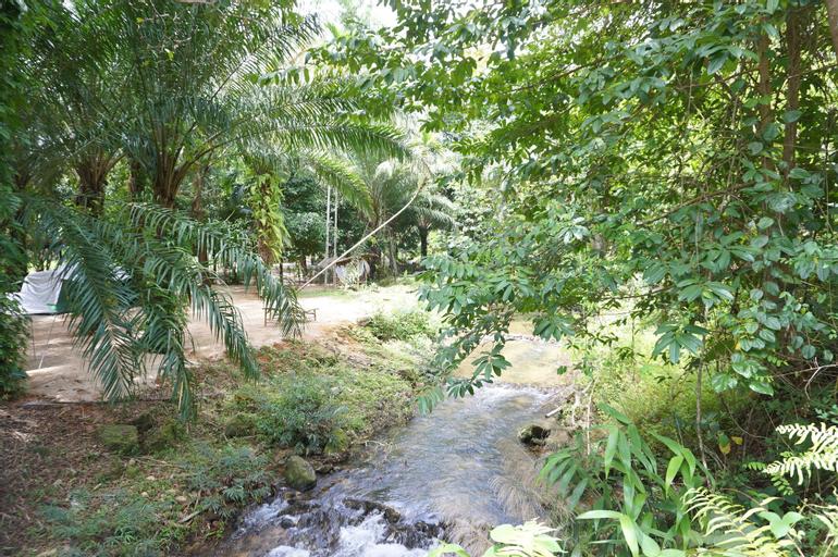 Tonphet Greenery Garden, Muang Ranong