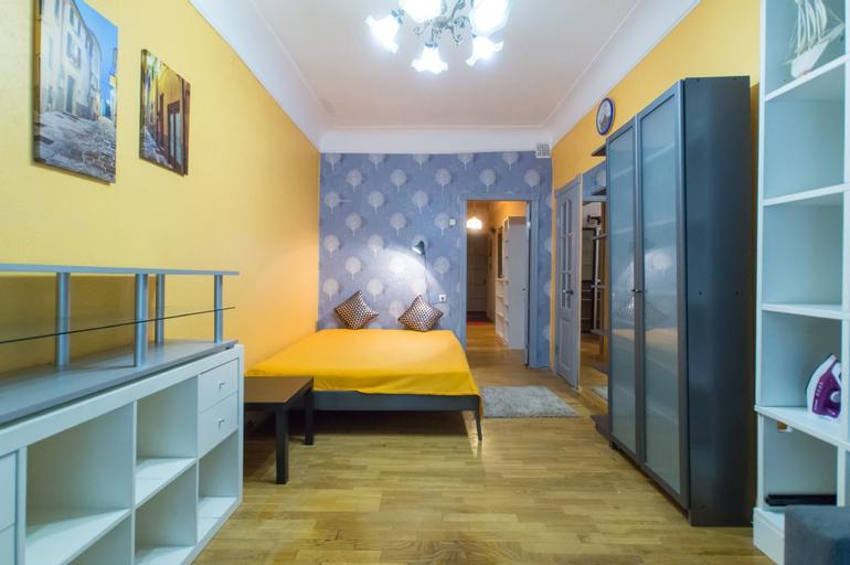 Lakshmi Apartment Sportivnaya, Western