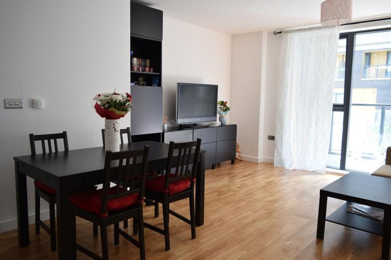 Spacious 2 Bedroom Apartment in Blackheath, London