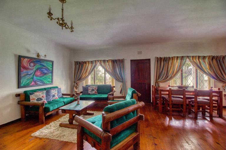 Scottburgh Holiday Home, Ugu