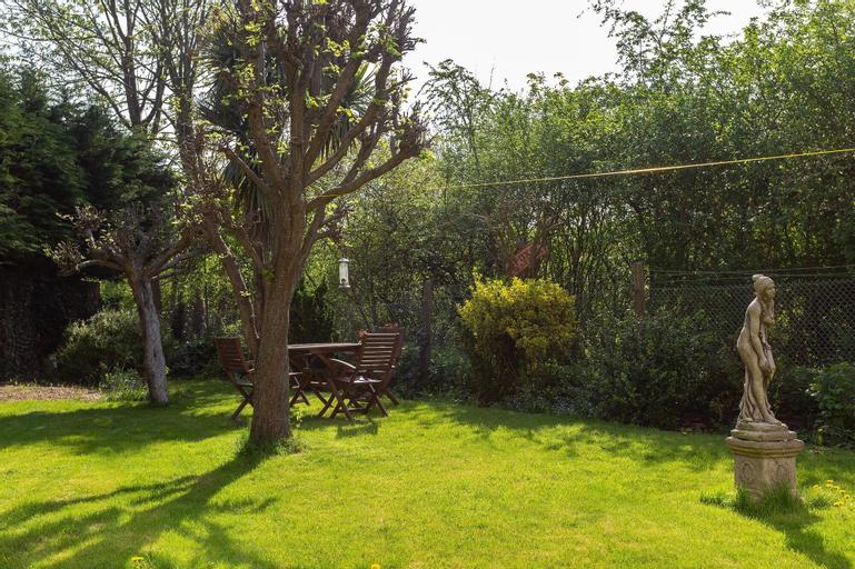 Fantastic 2BD Garden Flat in South London!, London